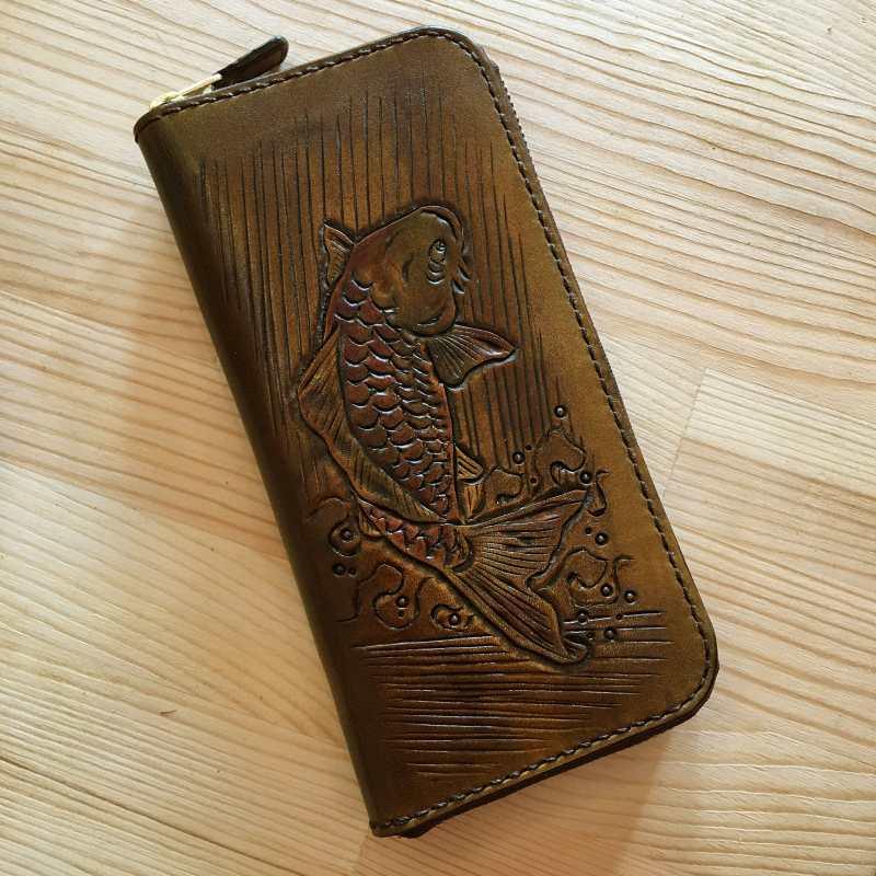 カービング 鯉 長財布